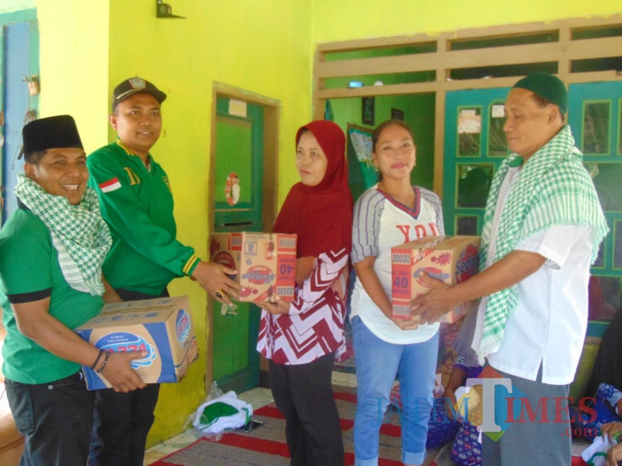 Kader PPP Lumajang Beraksi di Daerah Bencana Rowokangkung