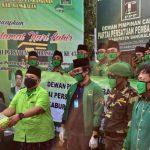 PPP Bangkalan Bagi Takjil dan Masker Gratis